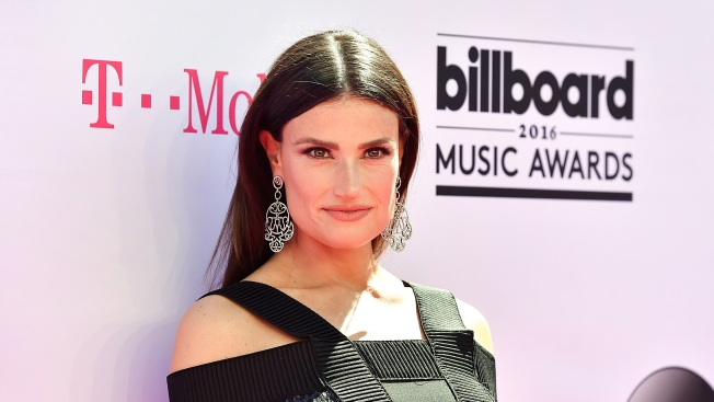 'Frozen' Star Idina Menzel Responds to #GiveElsaAGirlfriend Campaign