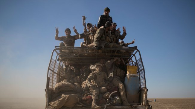 Iraq Launches Operation to Take Back IS-Held Town Near Mosul