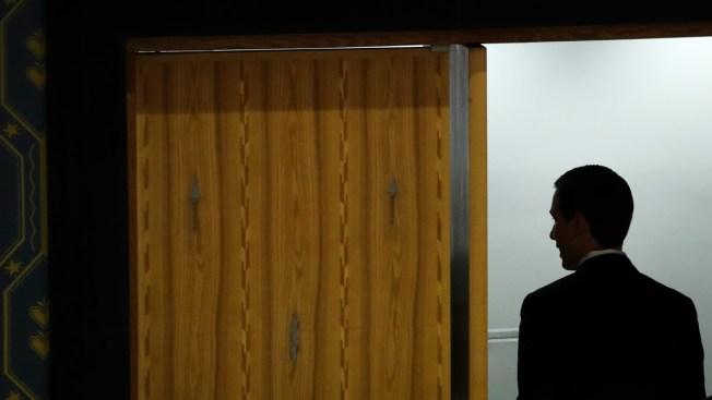 Kushner's Clearance Downgrade Could Leave Him 'Flying Blind'