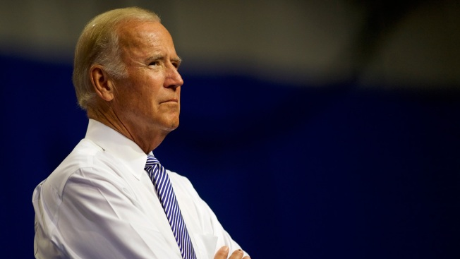 Biden, in Public and Private, Tiptoes Toward a 2020 Run
