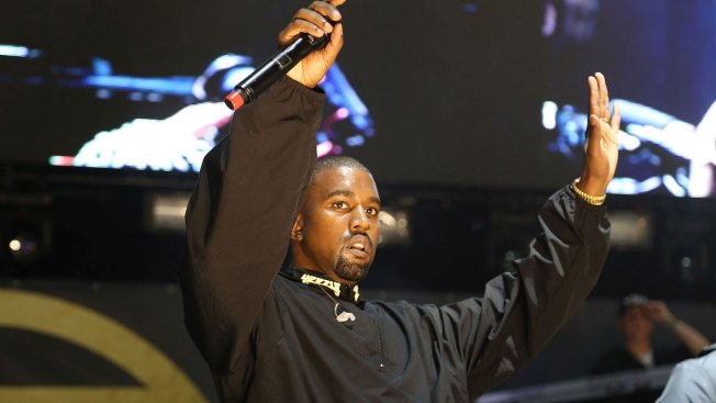 Kanye West Ends Concert Early After Losing His Voice