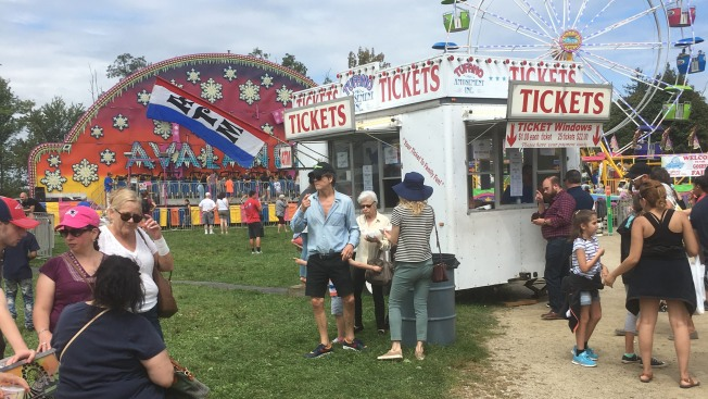 Actor Kevin Bacon, Actress Kyra Sedgwick Spotted at the Goshen Fair