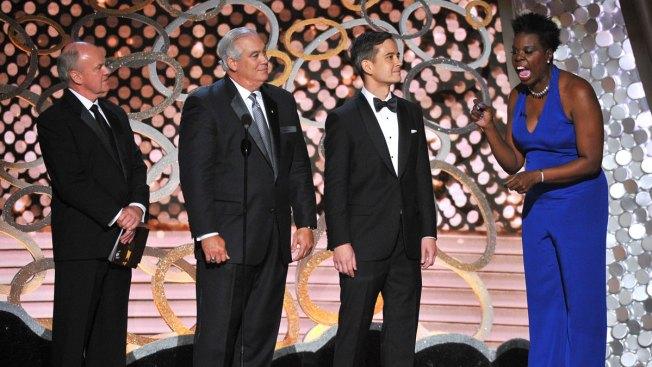 Leslie Jones Jokes About Social Media Hack on Emmys
