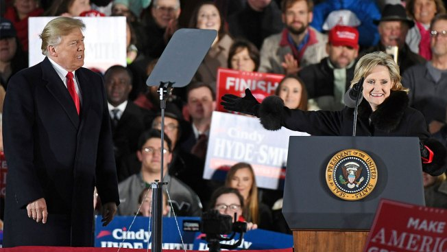 Trump Rallies for Embattled US Senator in Mississippi