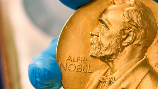US, UK Researchers Win Nobel for Evolutionary Chemicals