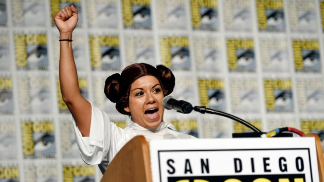 'Star Wars' Fan Clubs Honor Carrie Fisher at Comic-Con