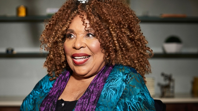 Roberta Flack Says She's Ready to Sing Again
