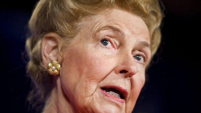 Conservative Leader Phyllis Schlafly Dies at 92