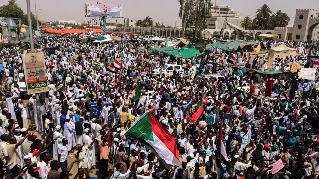 Sudan Activists: 'Regime' Kills 16 After al-Bashir's Ouster