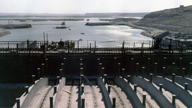 US-backed Fighters to Pause Military Action Near Syria Dam