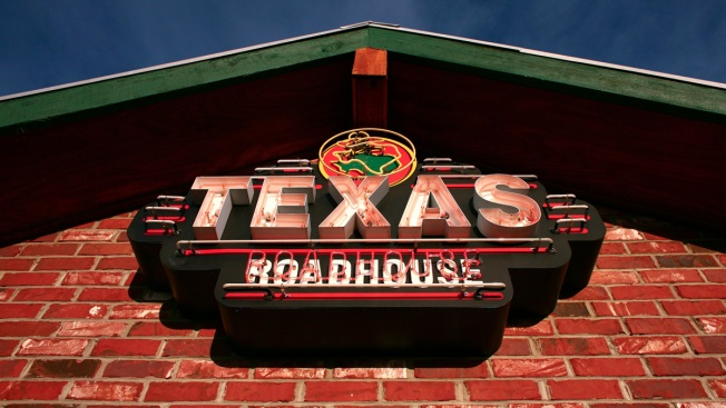 4 Shot, Including Boy, 6, Outside Texas Steakhouse: Police