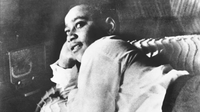 New Bulletproof Memorial to Emmett Till Replaces Vandalized Sign in Miss.