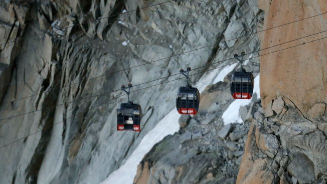 French Alps cable cars rescue due to resume