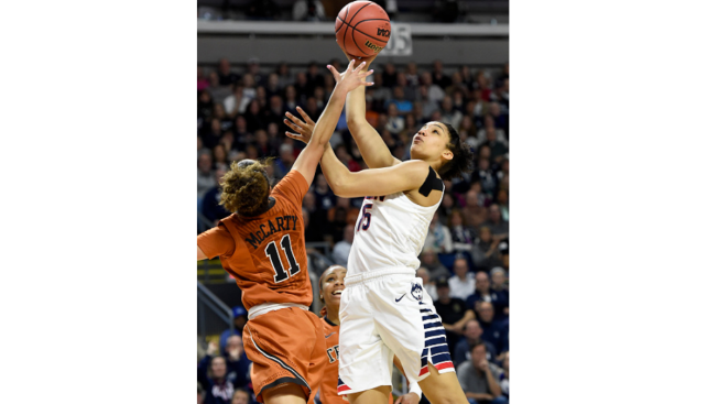 UConn Women Advance to Final Four