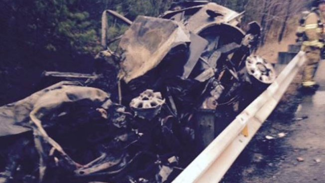 Man Dies After Being Pulled from Burning Car
