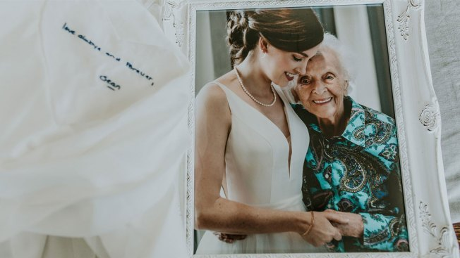 Bride Surprises Grandmother Who Couldn't Fly to Wedding With a Special Photo Shoot