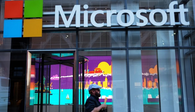 Microsoft Takes Aim at High-End of Tech Market With New Fitness Tracker, Laptop, Phones