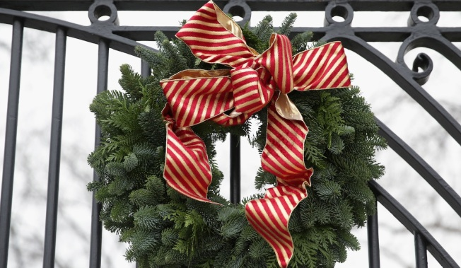 Maine Woman Pleads Guilty to Stealing Wreaths From Cemetery