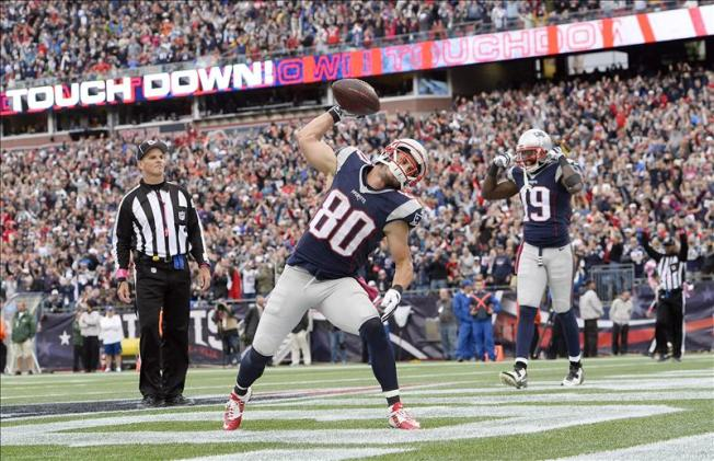 Danny Amendola Has Knee Sprain, May Play Sunday