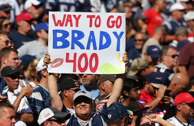 Mr. 400: Brady Throws Landmark Touchdown Pass