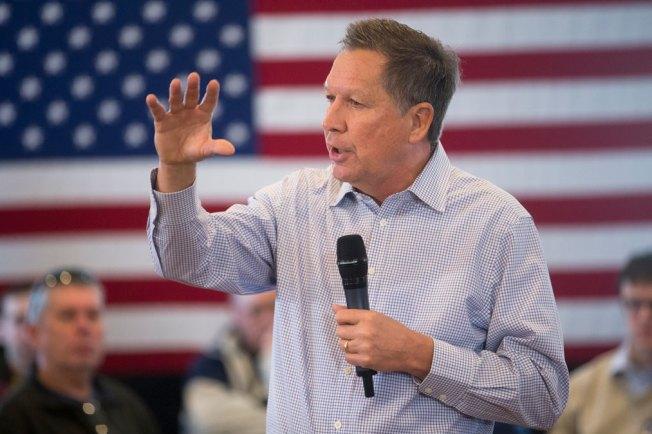 John Kasich Speaking at Town Halls in New Hampshire on Iowa Caucus Day