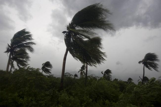 SC Gov. Plans Major Evacuation as Hurricane Matthew Brings Anxiety to US Coast