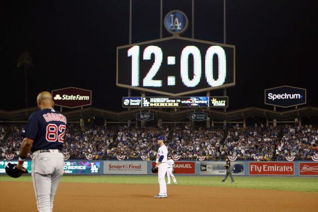 Photos of the Red Sox-Dodgers 18-Inning Marathon