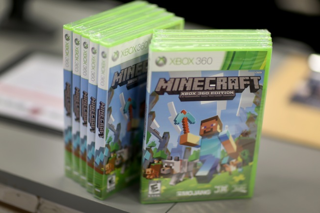 Man Charged With Soliciting Nude Photos of Massachusetts Boys Through Minecraft, Other Xbox Live Games