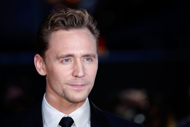 Tom Hiddleston Gives a Brief Masterclass on UK Accents