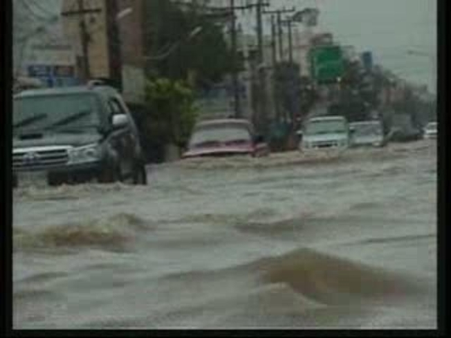 Heavy Rain Causes Massive Flooding in Thailand