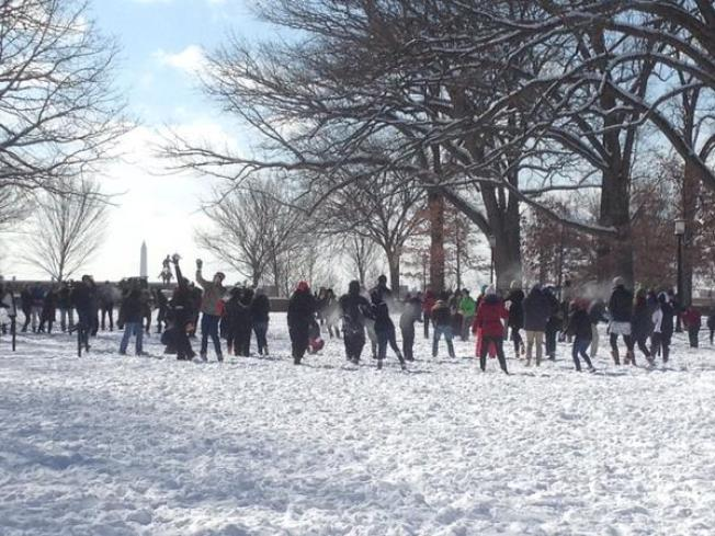 Portsmouth Residents Hoping for Snow for the Official 2016 Snowball Fight
