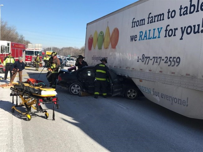 1 Injured in I-290 Crash in Auburn