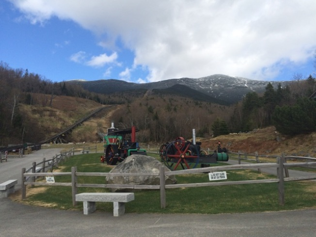 Winter Trips on Cog Railway Include Visit with Santa, Cider