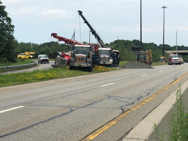 Tractor-Trailer Rolls Over on Route 3 in Chelmsford