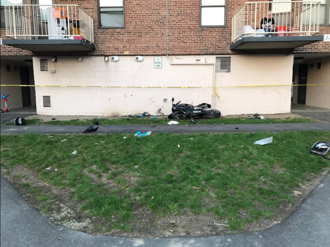 1 Dead After Motorcycle Crashes Into Building in Chelsea, Mass.