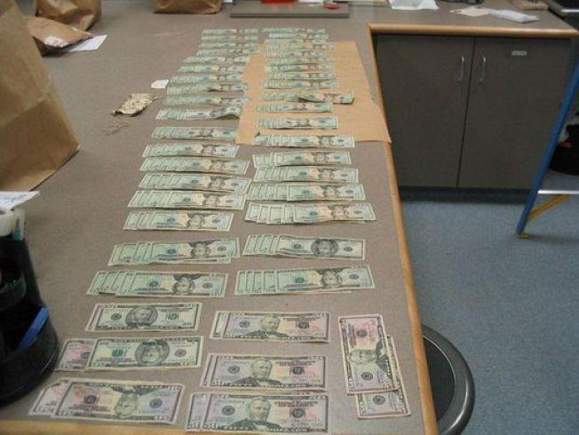 Man Finds $4K in Parking Lot, Returns it