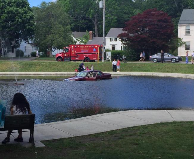 Car Plunges into Cohasset Town Common Pond