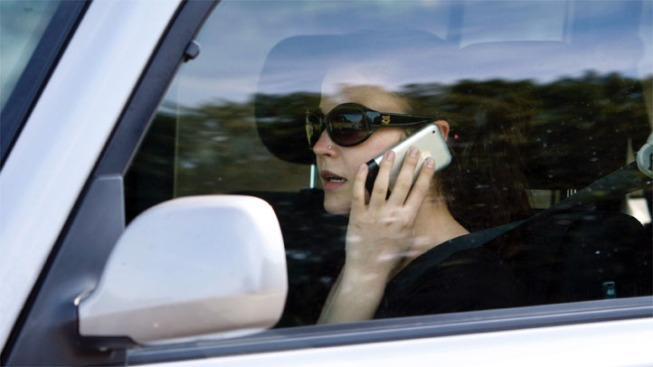 Despite Fines, Drivers Still Using Phones Behind the Wheel