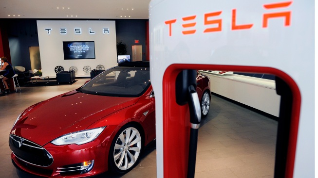 Former Tesla Engineer Accessed Manager's Email, Posted Confidential Docs Online: Indictment
