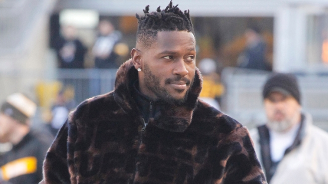 Report: Unnamed Player in Antonio Brown Lawsuit Revealed as Ravens WR