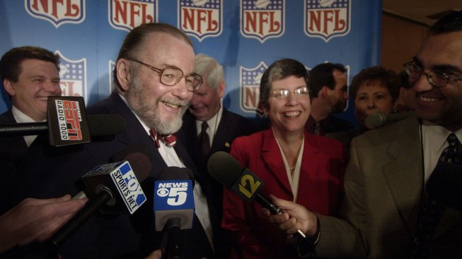 Longtime Cardinals Owner William V. Bidwill Dies at 88