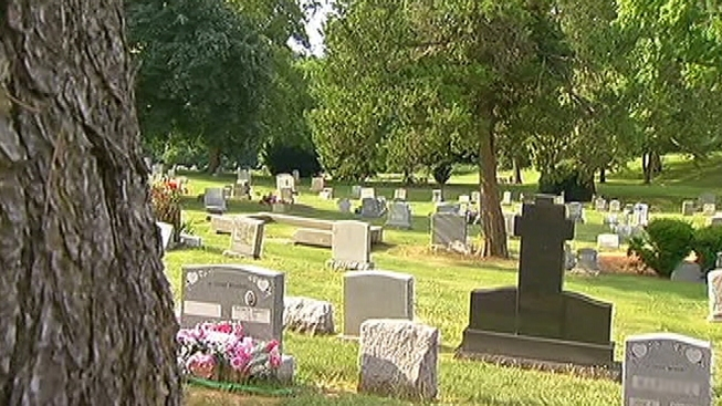 Man Sues Cemetery Over Burial Plot Mix-up