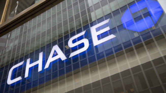 Chase Bank Deletes 'Monday Motivation' Tweet Amid Criticism