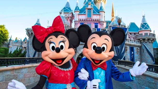 Minnie Mouse gets star on Hollywood Walk of Fame