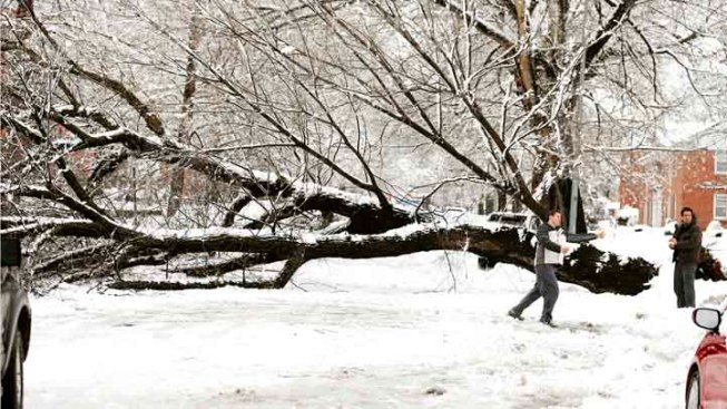 Outages Impact New England During Storm