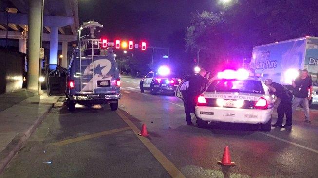 Man Tries to Carjack TV News Crew, Steals Houston Police Car