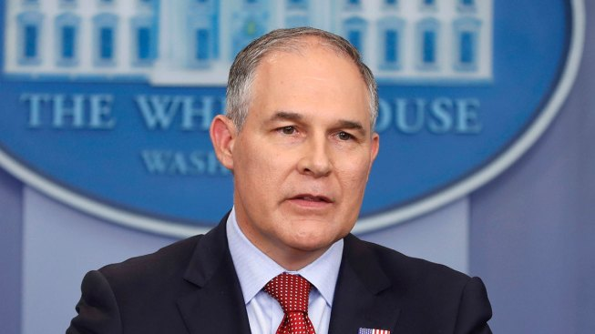Pruitt Monitored Efforts to Scrub EPA Webpages on Climate, Emails Show