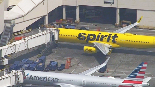 Fumes Prompt Return of Spirit Jet to Los Angeles